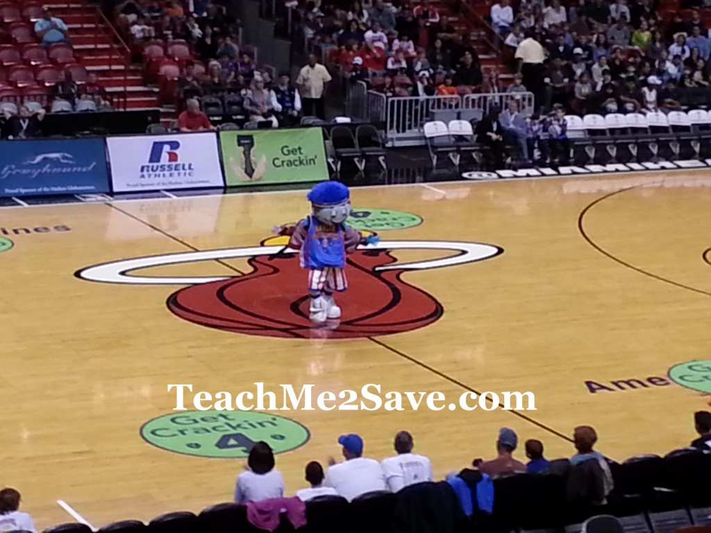Harlem GlobeTrotters Mascot
