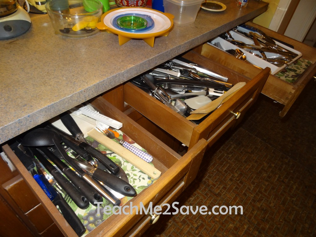 The Middle Set Visit - Junk Drawer