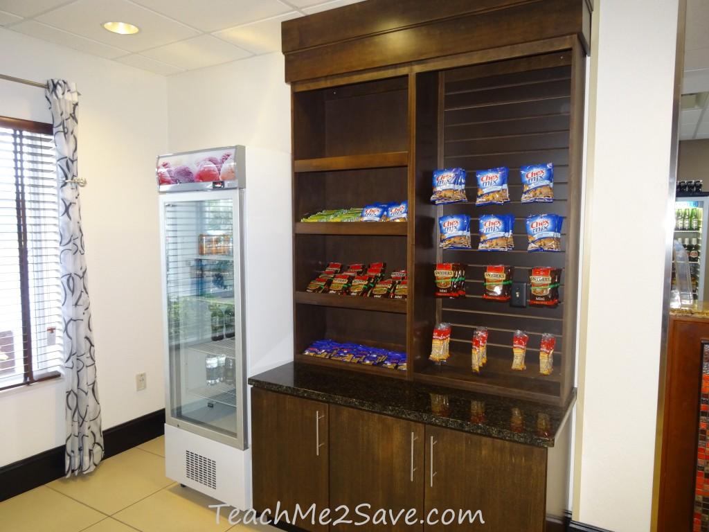 Holiday Inn Express & Suites Orange City - Mini Market