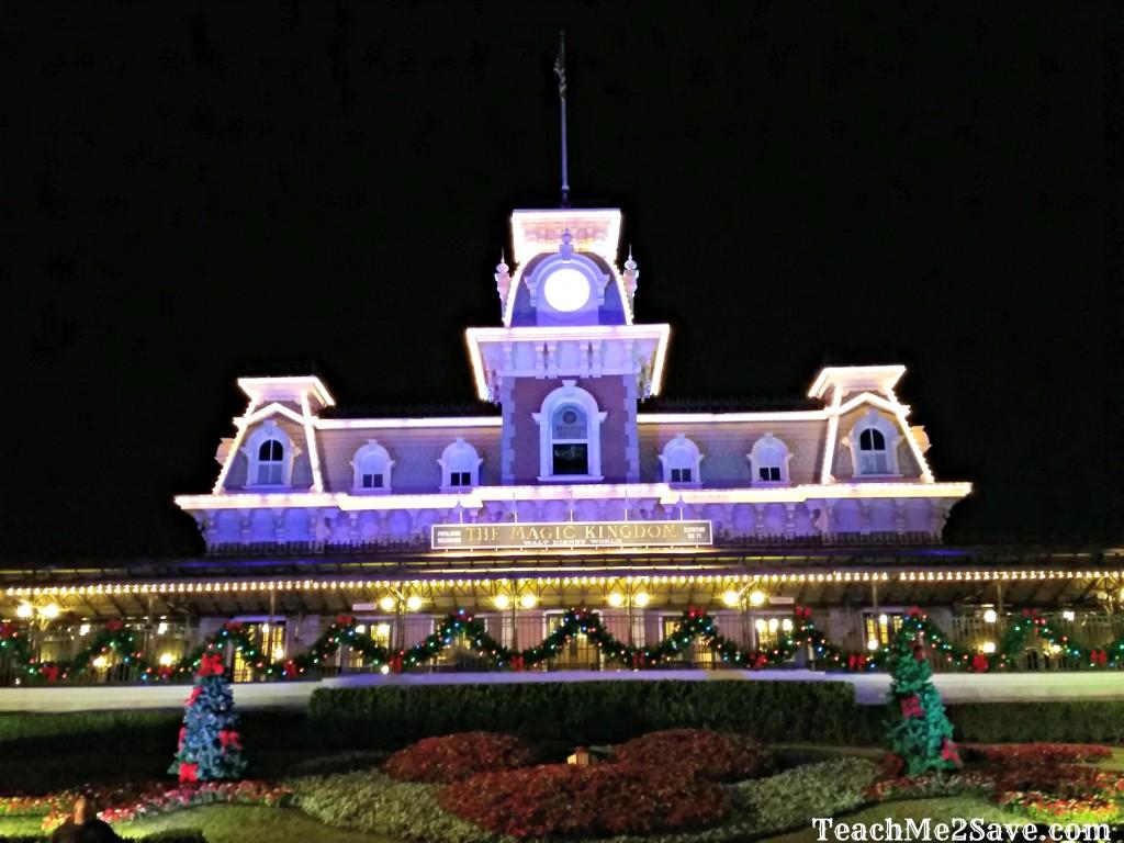 Mickey's Very Merry Party - Disney