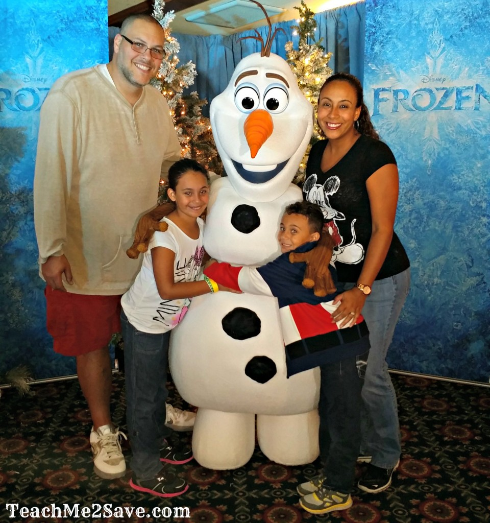 Mickey's Very Merry Party - Pic with Olaf