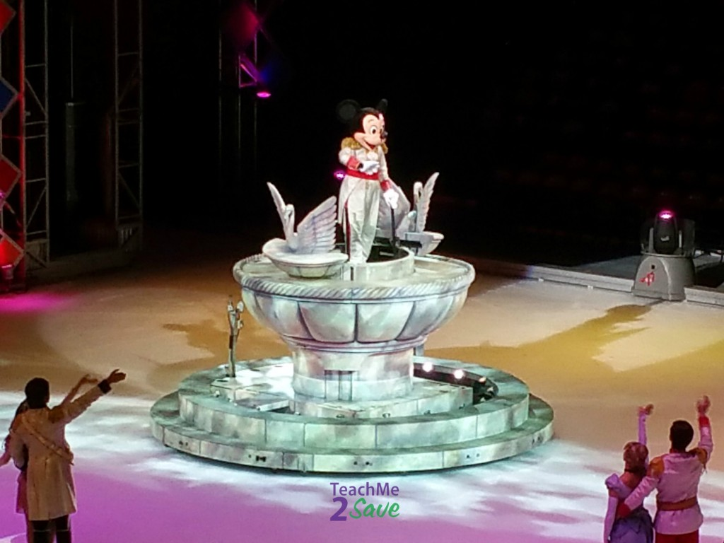 Disney On Ice Let's Celebrate Mickey Mouse