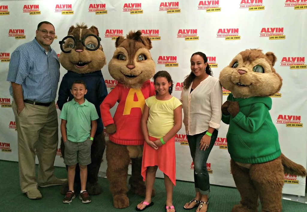 Alvin and the Chipmunks and the Fernandez Family