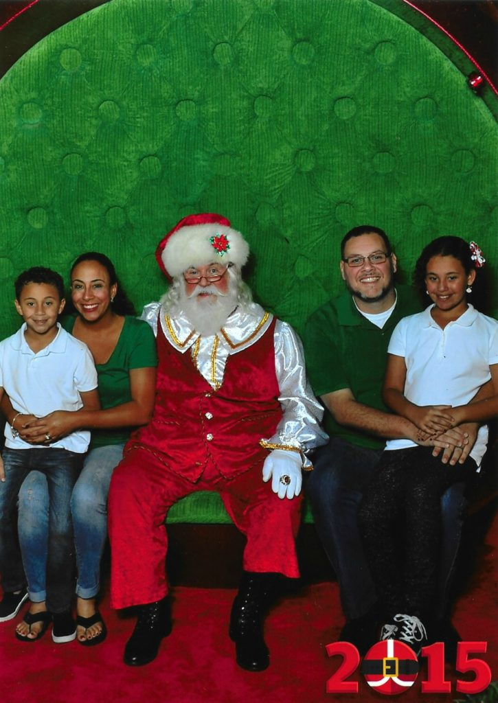 2015 Fernandez Family Pic with Santa at Aventura Mall