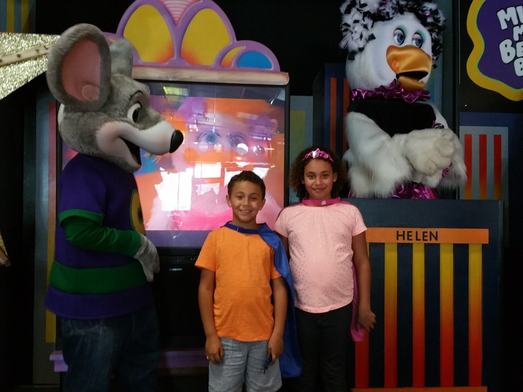 Have the best Chuck E. Cheese's birthday party ever with our tips and tricks! It's no secret that our family loves Chuck E. Cheese's. It's one of our favorite places for a fun family night out. So it's probably not a surprise that we are also big fans of Chuck E. Cheese's birthday parties.