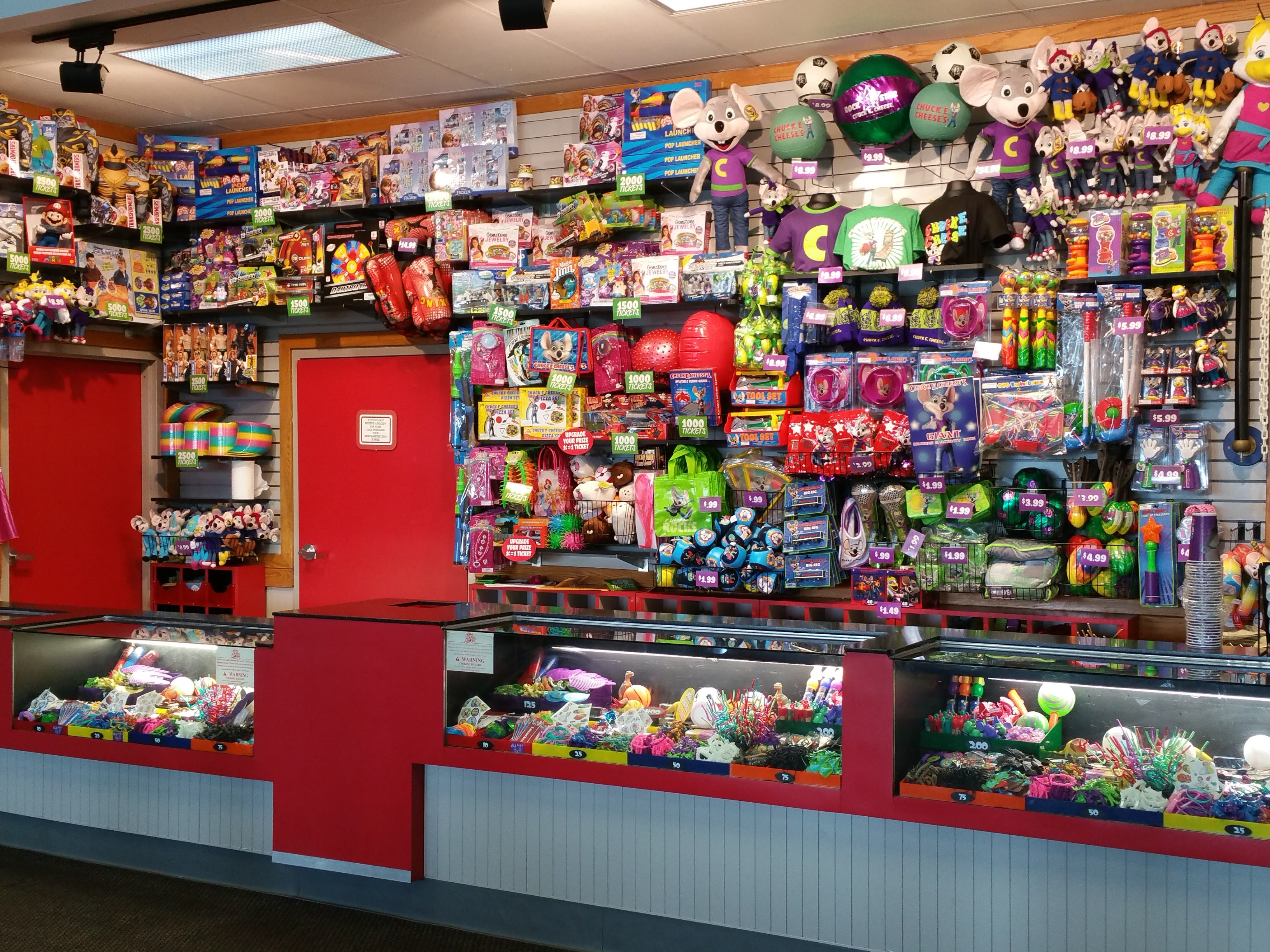 Chuck E Cheese: 7 Reasons A Chuck E. Cheese Birthday Party Rocks