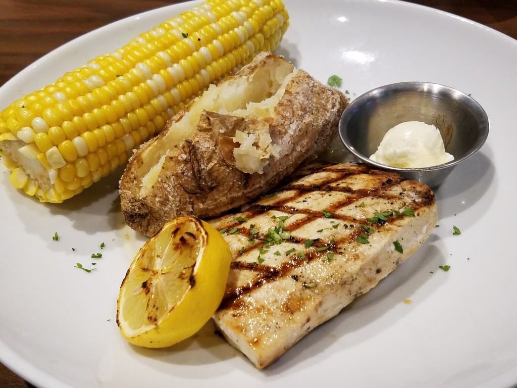 Duffy's Sports Grill Mahi Mahi