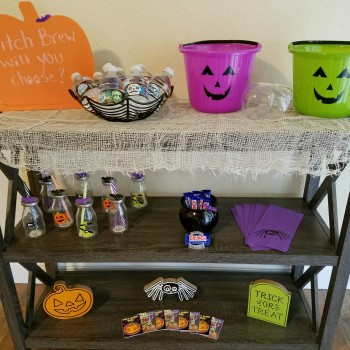 Fun & Easy Halloween Drink Station Ideas