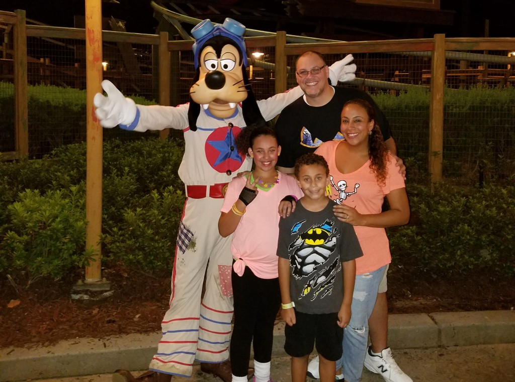 family-pic-with-goofy-at-mickeys-not-so-scary-halloween-party