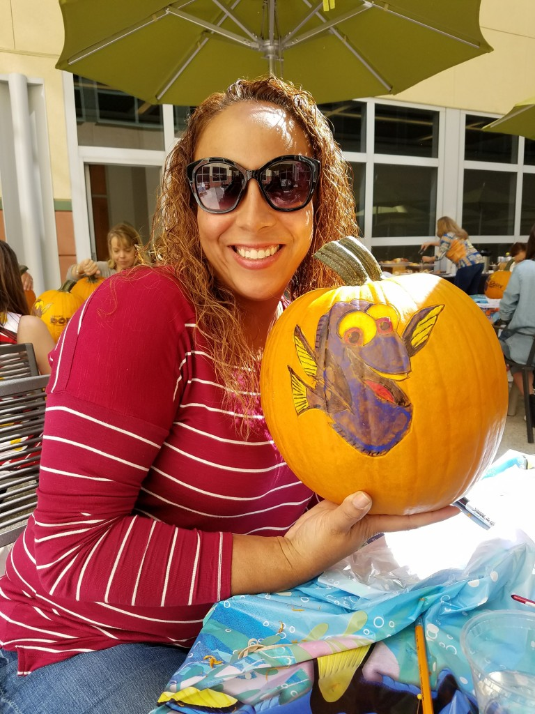 leanettes-finding-dory-halloween-pumpkin