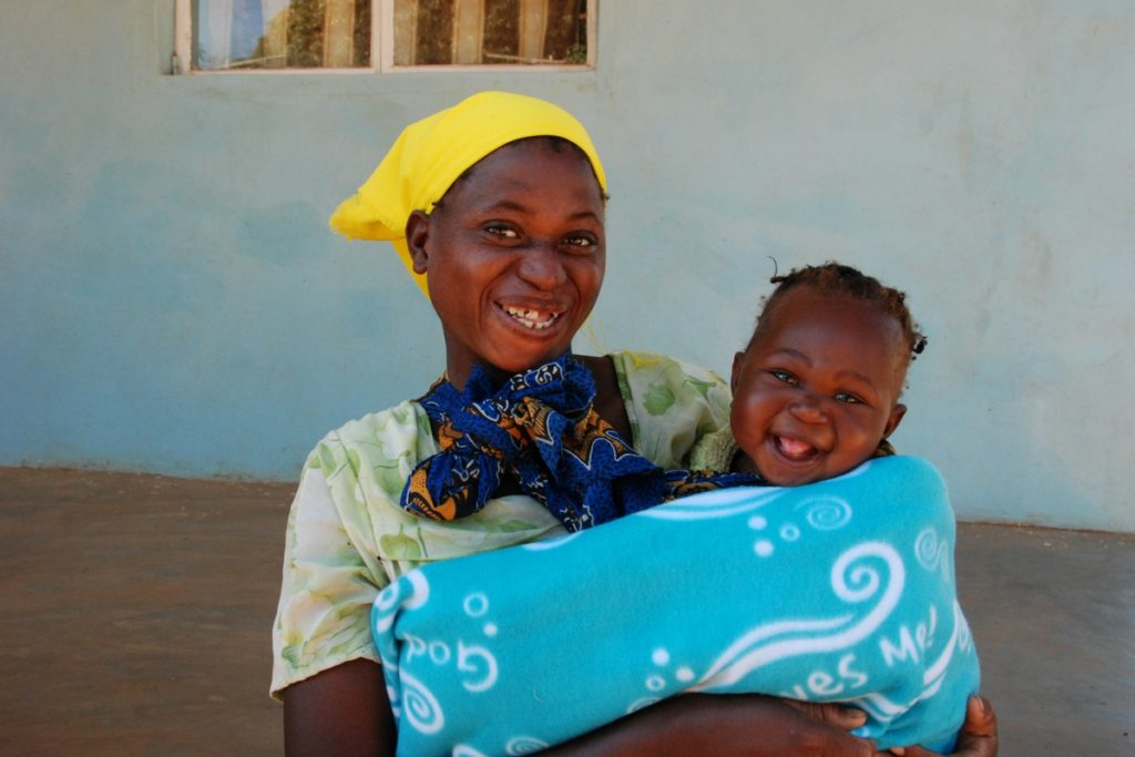 giving-tuesday-blankets-zambia