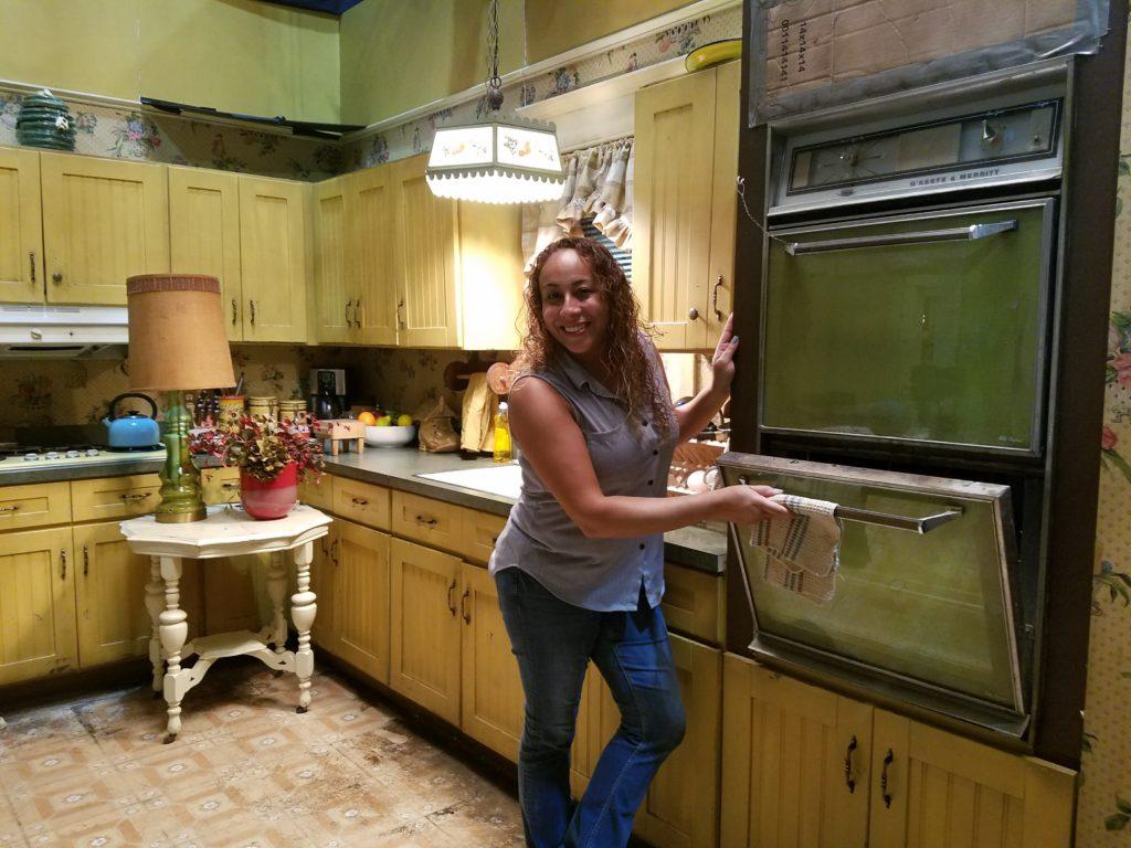 leanette-fernandez-on-the-speechless-set-kitchen