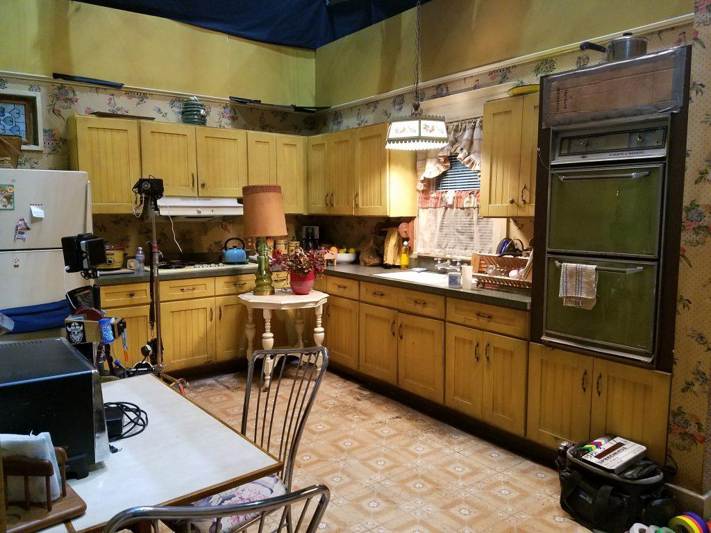 speechless-set-kitchen-2