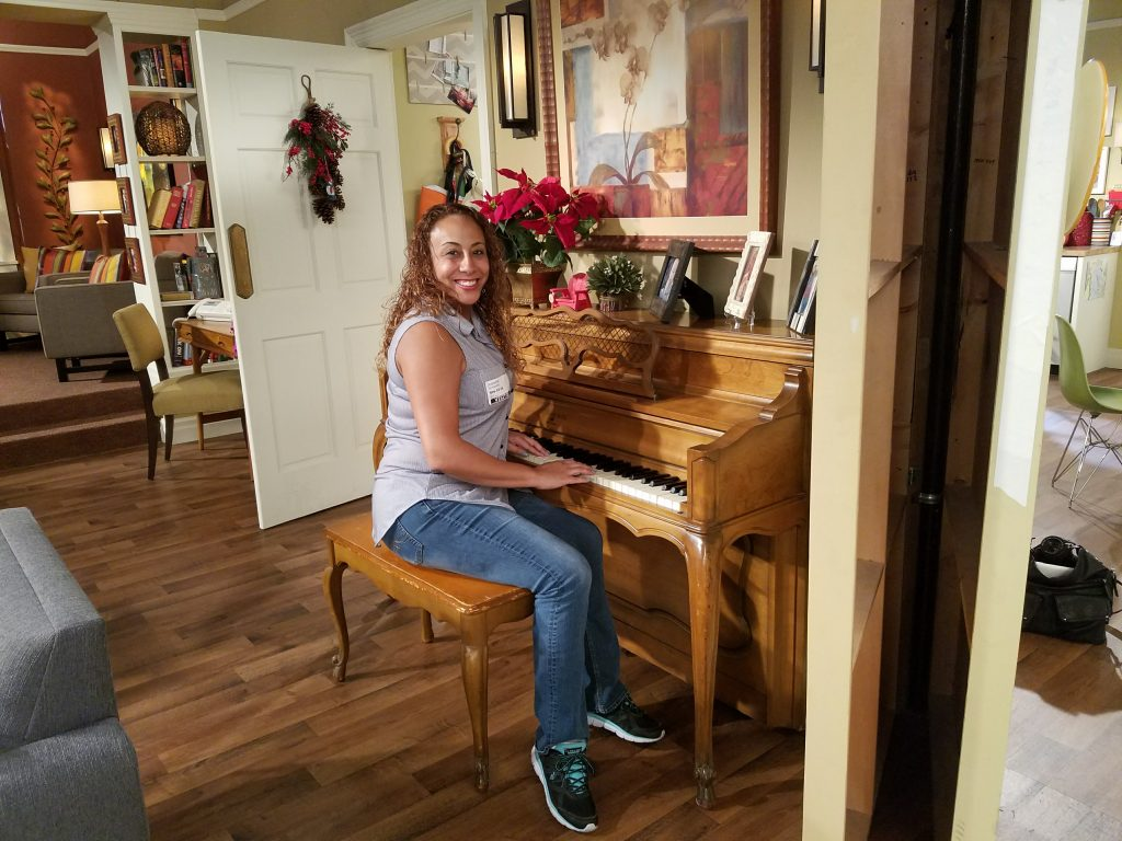 dr-ken-set-visit-leanette-playing-piano