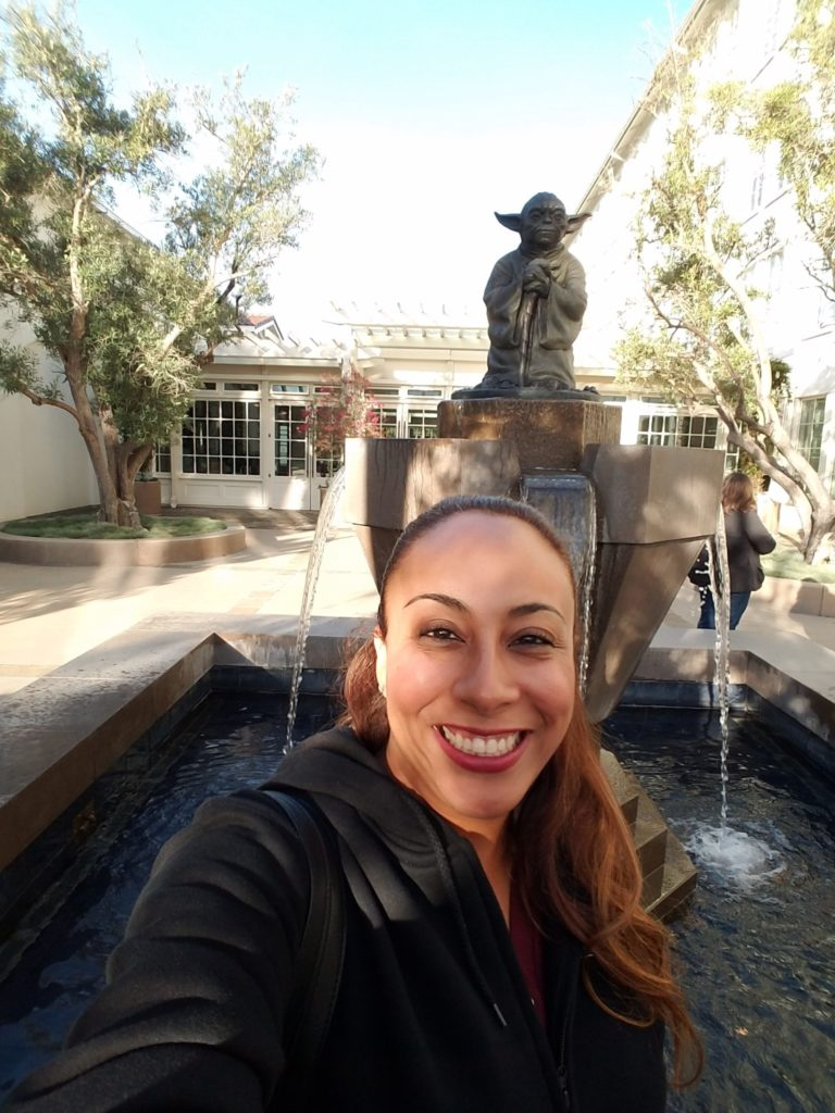 leanette-fernandez-selfie-in-front-of-yoda-fountain-at-lucasfilm-headquarters
