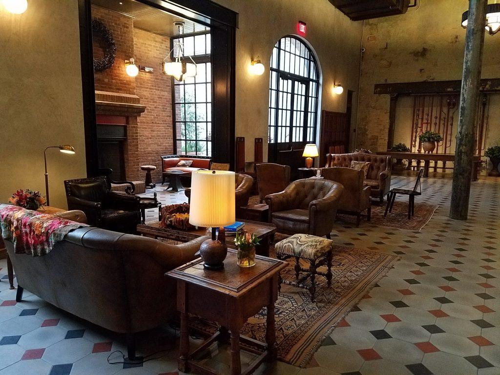 Hotel Emma Lobby 2