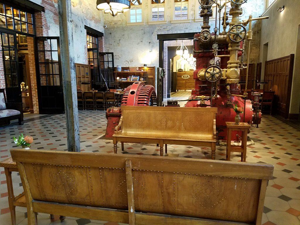 Hotel Emma Lobby 3