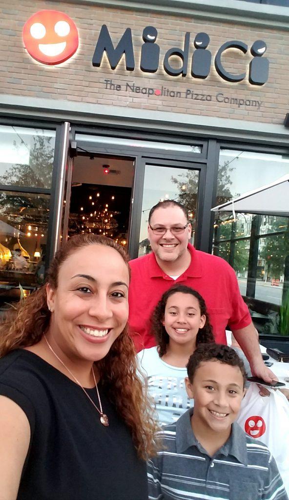 Fernandez Family at MidiCi