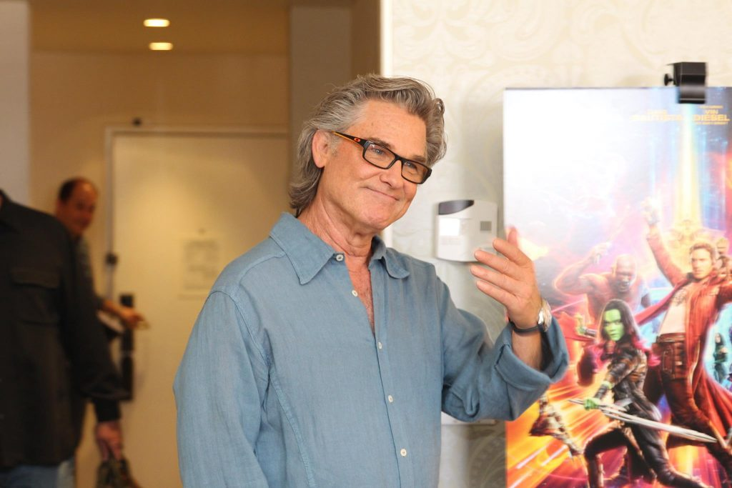 Kurt Russell walking into the Guardians of the Galaxy Vol 2 Interview