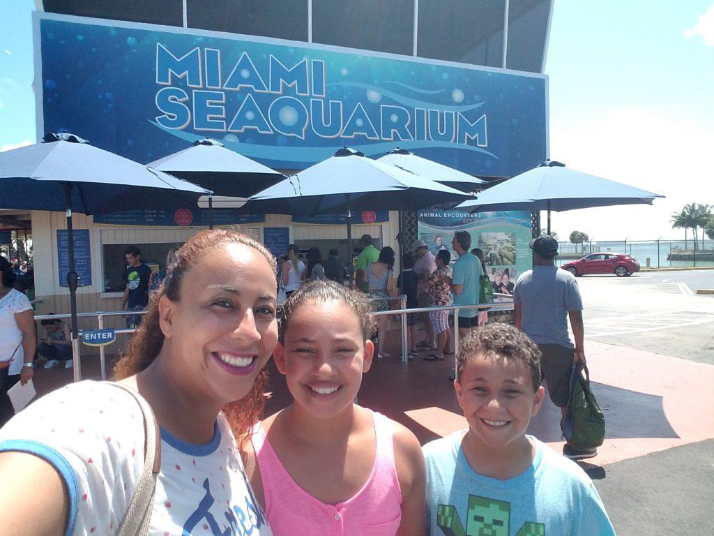 Fernandez Family at the Miami Seaquarium 2