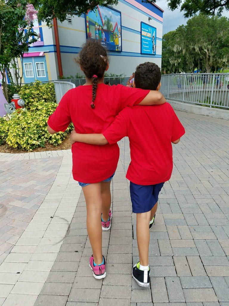 Kids walking R