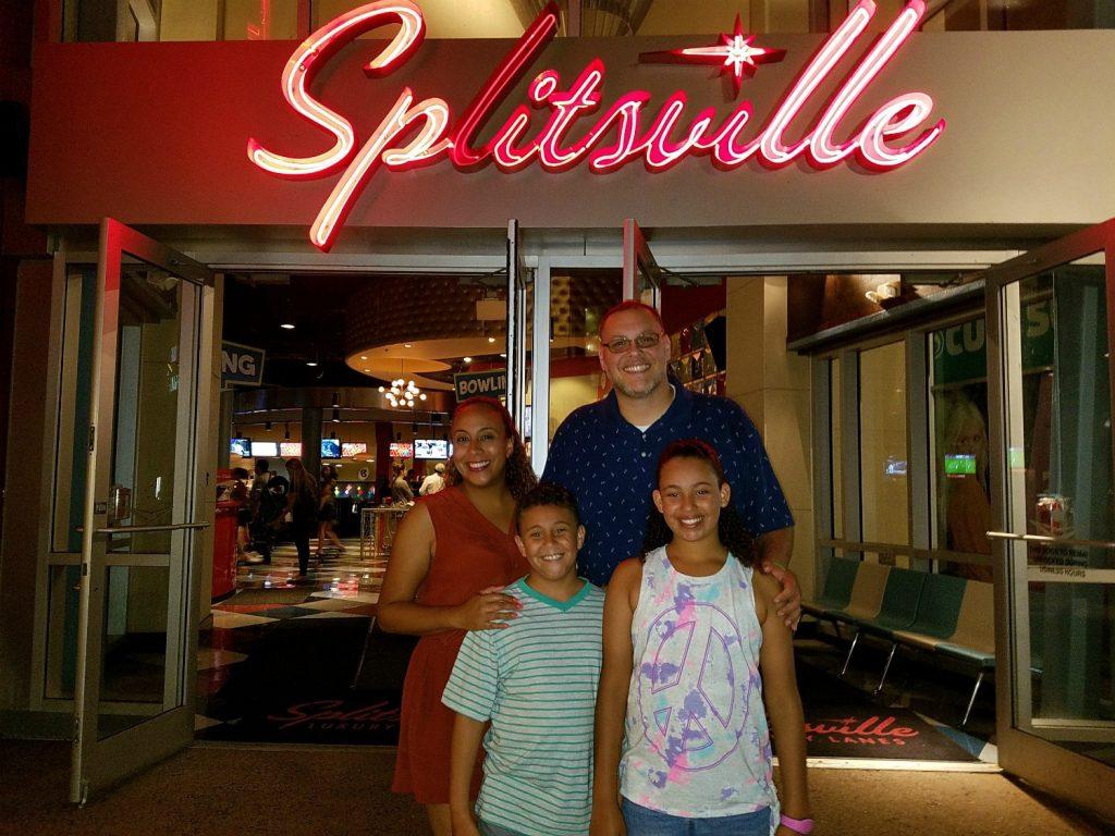 Family at Splitsville R
