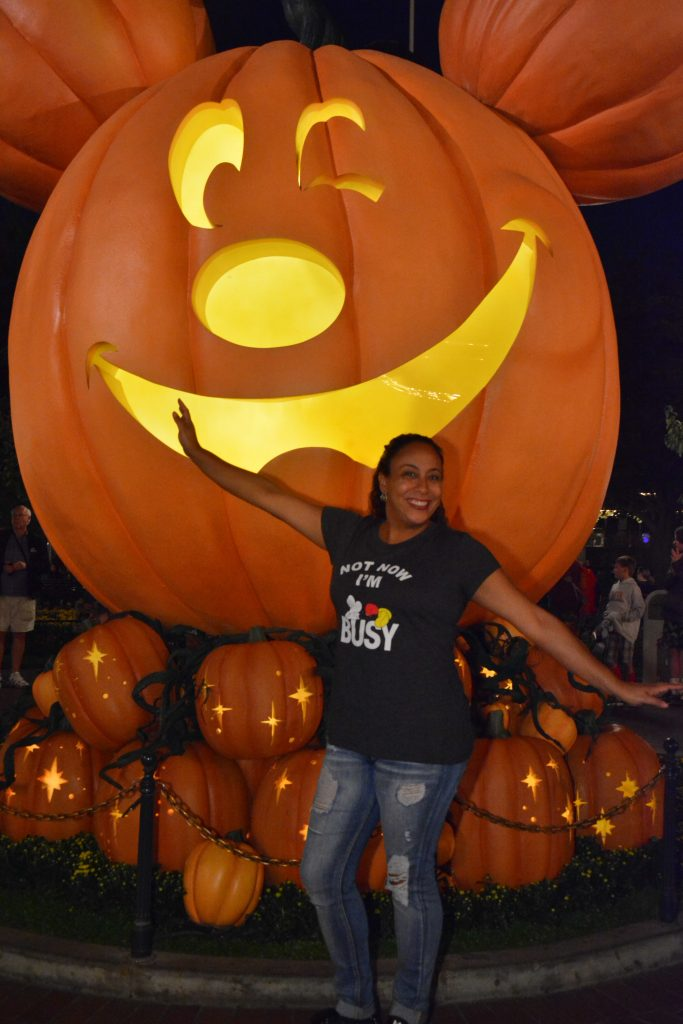 Leanette Fernandez at Disneyland Halloween 2017