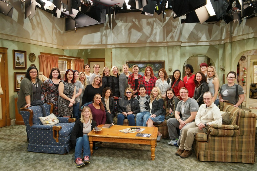 Leanette Fernandez and cast of Roseanne