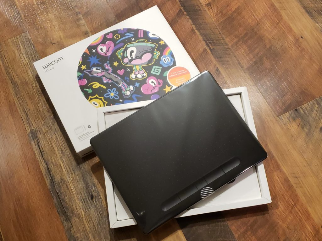 Wacom Intuos Bluetooth Creative Pen Tablet