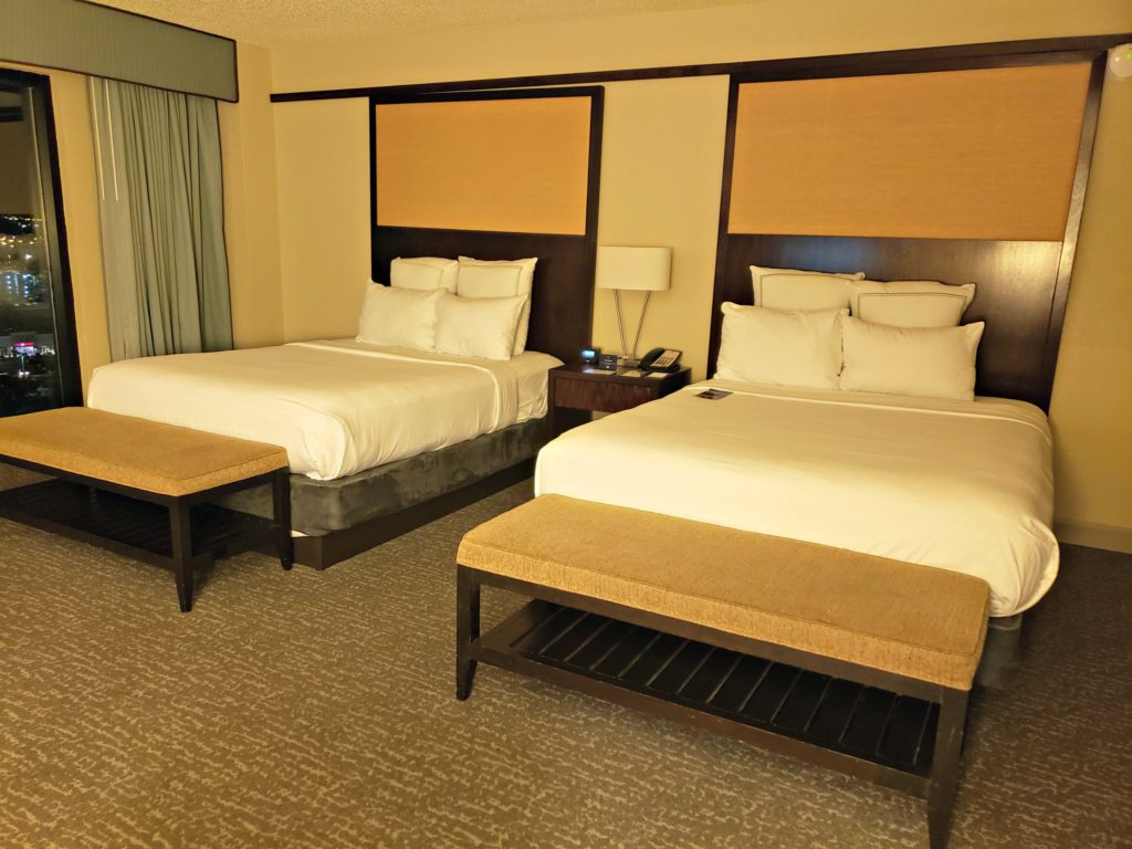 hotel with 2 queen size beds