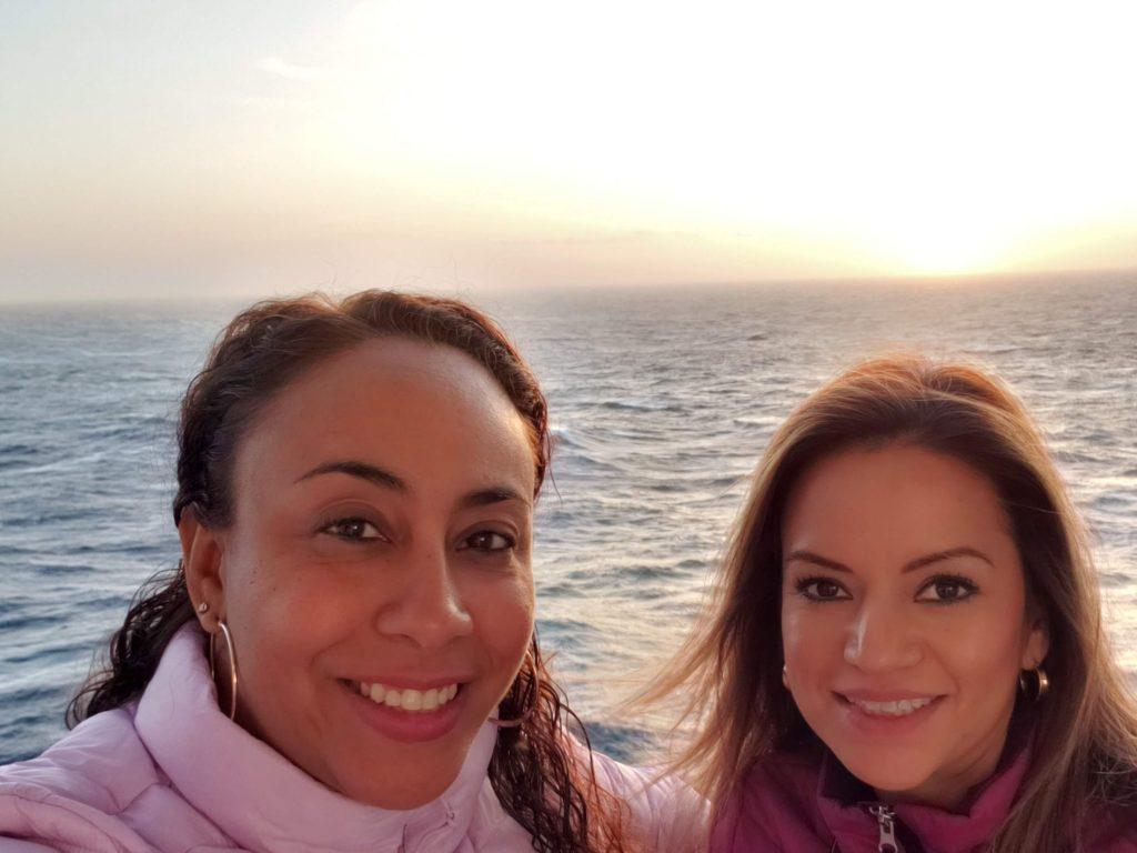 2 female friends