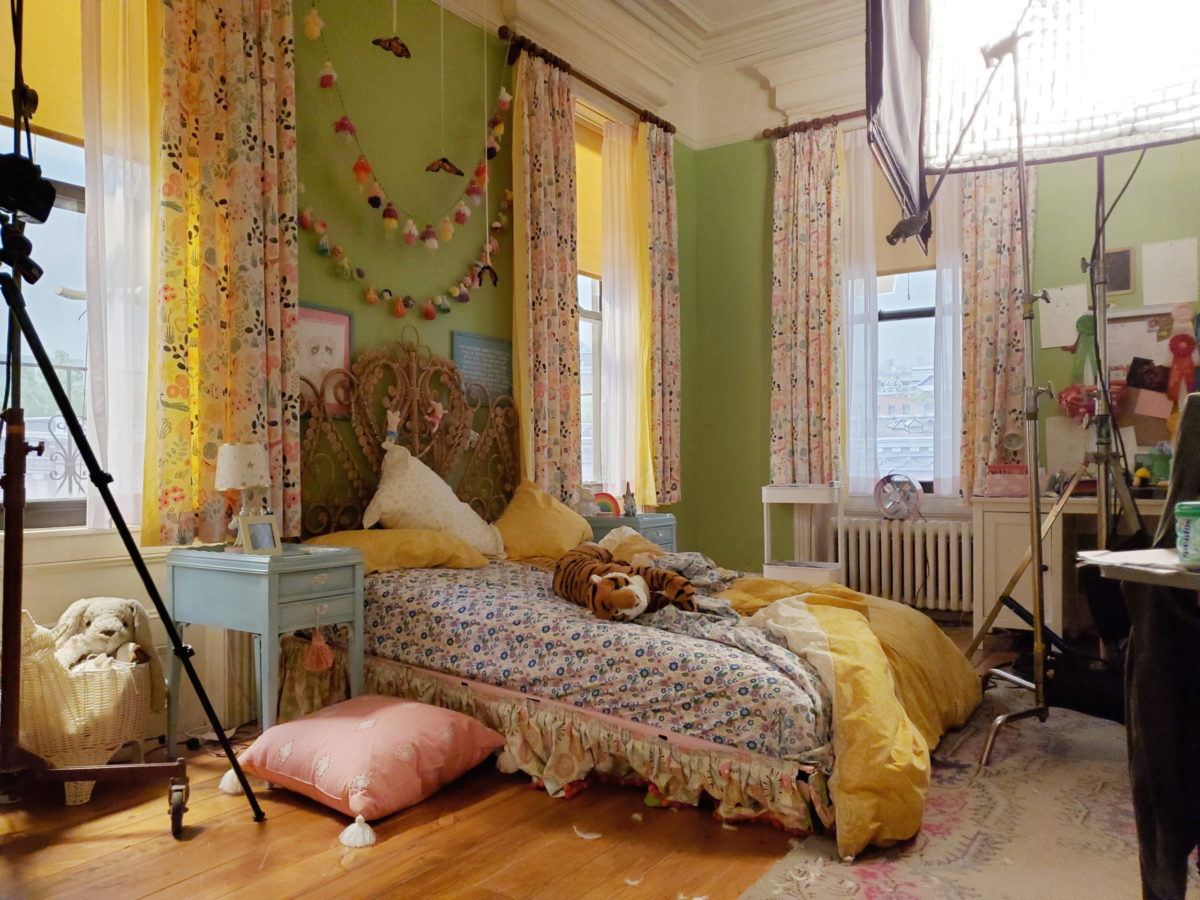 bedroom on Clifford set