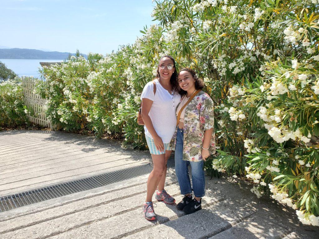 2 women in Greece
