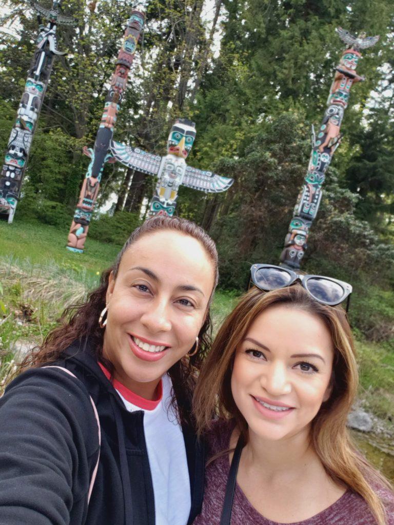 2 women in Canada