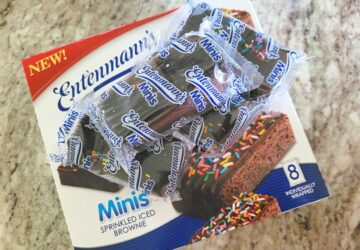 Entenmann's Minis Sprinkled Iced Brownies